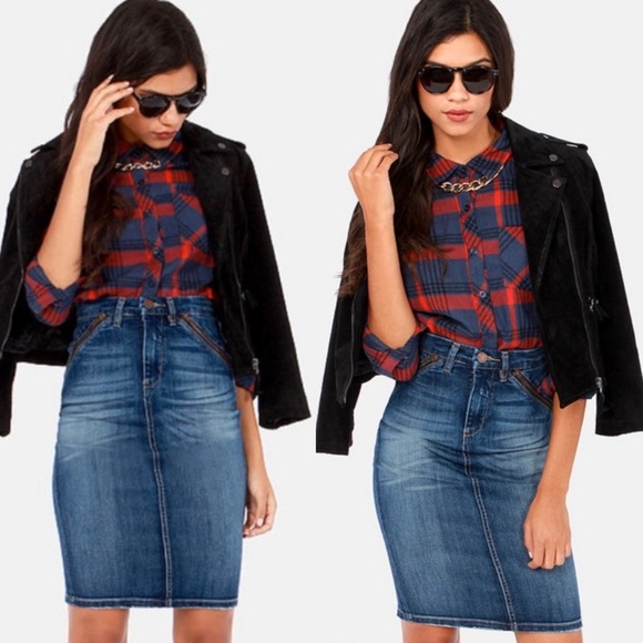 Blank NYC Dresses & Skirts - NWT BlankNYC Retro Denim Zipper Pencil Skirt Sz 25
